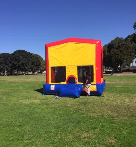 bouncy house at picnic
